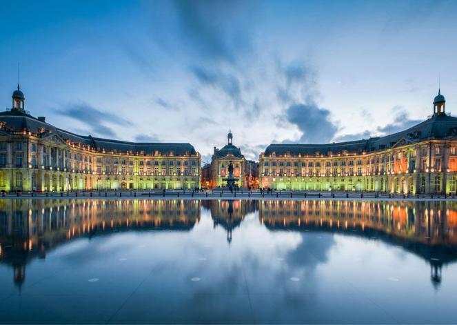Place_de_la_Bourse-1040x740-_CP_Joseph_Hilfiger_Actu